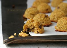 The Urban Poser:: Egg & Nut Free Pumpkin Spice Coconut Macaroons (grain free)