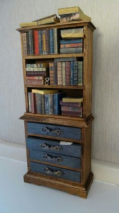 Dollhouse old bookcase made by Jolanda Knoop