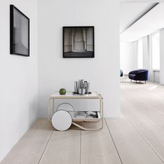 A selection of modern hallway ideas for high-end interior design projects Minimalist Interior, Modern Interior, Interior Architecture, Interior Design, Modern Furniture, Douglas Wood, Interior Minimalista, Deco Design, Wooden Flooring