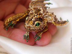 """Купить Брошь дракон  """"Голди"""". Брошь бисер. Вышитый  дракончик. Золотой дракон - брошь, брошка"""