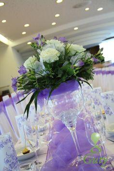 svadobná výzdoba bledá fialová frézia Hotel Vion dekoračná váza s kvetmi