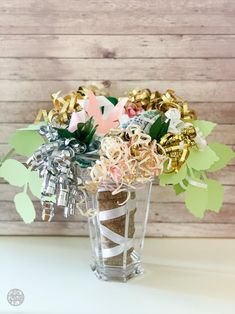 Learn how to make the prettiest bridal shower bow bouquet for the wedding rehearsal with paper plates and these simple steps! This bow bouquet is gorgeous! Wedding Rehearsal Bouquet, Bridal Shower Bouquet, Wedding Pins, Dream Wedding, Wedding 2015, Wedding Ideas, Bow Bouquet, Bouquets, Bridal Shower Decorations