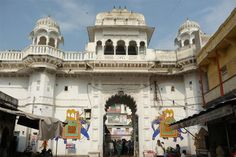 Nathdwara is a small town in the Indian state of Rajasthan. Situated at a distance of 48kms in the north-east of Udaipur, Nathdwara is sited on the right bank of Banas River. Nathdwara is famous for its 17th century temple that is dedicated to Lord Shrinathji (Lord Krishna).