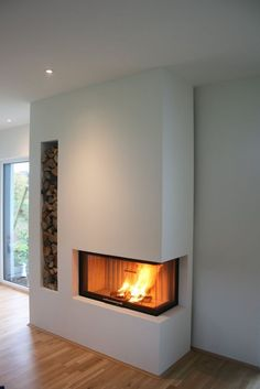 Most up-to-date Cost-Free Gas Fireplace remodel Suggestions The next wind storm exterior may be frightening, however your flames is really so wonderful! Concrete Fireplace, Open Fireplace, Fireplace Remodel, Fireplace Inserts, Living Room With Fireplace, Fireplace Design, Fireplace Stone, Living Room Remodel, Interior Design Living Room