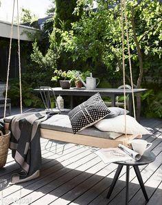 Nyt kelpaa köllötellä! Tee tyylikäs terassipeti saunanlauteesta | Kotivinkki