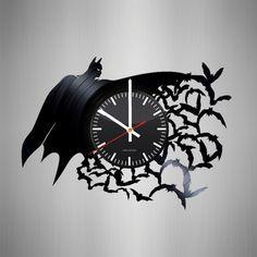 Vinyl Record Crafts, Vinyl Record Clock, Old Vinyl Records, Record Wall, Vinyl Art, Clock Art, Diy Clock, Wall Clocks, Vynil