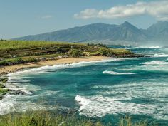 Have you ever seen our north shore... #Maui #Hookipa #Paia #MauiBeaches #surf