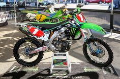Kawasaki KX 450 Team Monster Energy Kawasaki Ryan Villopoto Supercross 2013