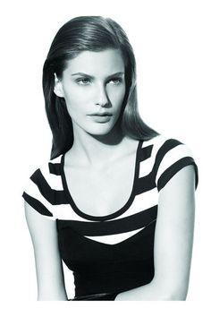 Mega Model Agency - Caroline Francischini