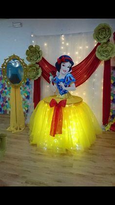 Snow White Birthday Concept Products, Pati Sets and Organization P … - Geburtstag Disney Princess Birthday Party, Girl Birthday, Daughter Birthday, Birthday Design, Birthday Table, Princess Disney, Disney Princesses, Birthday Decorations, Birthday Party Themes