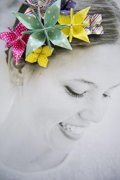 Un tocado de papel. DIY Tutorial para decorar tus imágenes con flores de origami, papitoflexia.