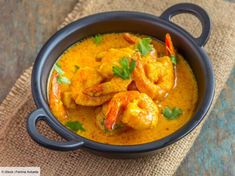 Goan Prawn Curry, Curry Shrimp, Goan Recipes, Curry Recipes, Seafood Dishes, Fish And Seafood, Chefs, Seafood Curry Recipe, Curry Coco
