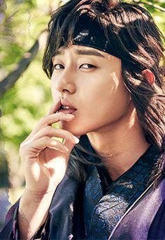 Upcoming KBS drama 'Hwarang' has unveiled character posters of Go Ara, Park Seo Joon, and Hyungsik!The beautiful female lead Go Ara, who is p… Jimin Jungkook, Taehyung Hwarang, Park Seo Joon Hwarang, Park Seo Jun, Asian Actors, Korean Actors, Korean Dramas, Laura Lee, Go Ara