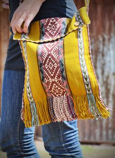 GlobeIn: Andrés Master Weaver Chuspa Peruvian Bag #GlobeIn #bag #boho