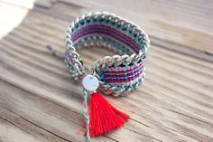 NEW: limited edition OOAK beautiful red peruvian by BonkIbiza #silverplatedchain #etsy #red #redtassel #peru #friendshipbracelet #jewelerytag