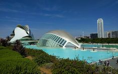 Looking for what to do in Valencia? I moved here a couple of years ago and these are my recommendations. Places to visit in Valencia, things to do, and Visit Australia, Australia Travel, Spain Travel, Thailand Travel, Great Buildings And Structures, Modern Buildings, Modern Architecture, Backpacking Spain, Spain Culture