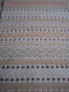 LOPPBERGA: Shabby Chic Textile Patterns, Textiles, Shabby Chic, Weaving, Arts And Crafts, Rug Ideas, Rugs, Inspiration, Fabric