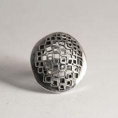 "Silver ""Kultakenno"" ring by Liisa Vitali Chunky Silver Necklace, Silver Jewelry Box, Silver Jewellery Indian, Metal Clay Jewelry, Leaf Jewelry, Sterling Silver Necklaces, Jewelry Art, Silver Bracelets, Jewelry Ideas"
