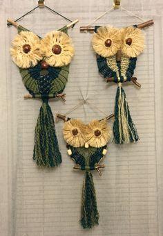 images about Macrame Owl Owl Crochet Patterns, Owl Patterns, Macrame Patterns, Yarn Wall Hanging, Wall Hangings, Hippie Crafts, Macrame Owl, Macrame Curtain, Micro Macramé