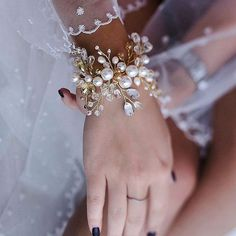 bridal jewelry for the radiant bride Bridal Cuff, Bridal Bracelet, Bridal Necklace, Wedding Jewelry, Flower Headpiece Wedding, Bridal Headpieces, Hair Jewels, Bling Wedding, Bridal Hair Accessories