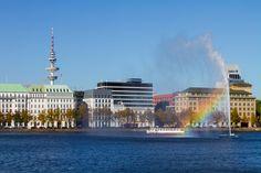 Hamburg Foto Binnenalster Alsterfontäne mit Alsterdampfer   Bildschönes Hamburg
