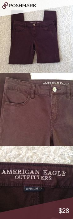 American Eagle maroon jegging 10 R Excellent condition ✨ soft, comfy and super stretch, X sateen denim material, 10 regular jegging, no flaws, no trades, open to offers, discount on bundles ❤️ American Eagle Outfitters Jeans Skinny