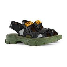 Sandalia con Tachuelas. Sandalia con Tachuelas - Gucci Zapatos para Hombre  546073DIR201000 517d17191b8