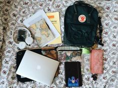 my fjallraven kanken bag came in the mail today, just in time for uni (just kidding. Mochila Kanken, What's In My Backpack, Kanken Backpack, Backpack Outfit, What In My Bag, What's In Your Bag, Estilo Converse, Aesthetic Backpack, School Suplies
