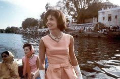 Jackie Kennedy, so much style!!