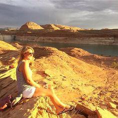 What did you do this Labor Day? @abbeydelore soaked up the sun in Lake Powell. Use the hashtag #usoutdoor and we will repost your adventures too! #labordayweekend #outdoorproject #lakepowell #SnowWaterLand