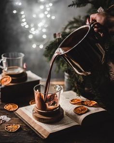 V60 Coffee, Winter Holidays, Hot Chocolate, Food Photography, Product Photography, Coffee Maker, Dessert, Instagram, Tea