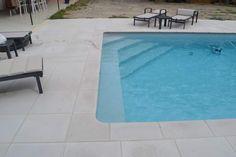 Pool Steps Inground, Swimming Pool Steps, Swimming Pool Designs, Small Pool Design, Concrete Pool, Small Pools, Plunge Pool, Pool Houses, Paint Designs
