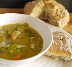 Diet Recipes: Chicken and Leek Casserole/Soup Meal - 179 calories per serving - warming, hearty winter food for a fast day fast diet skinny Chicken Diet Recipe, Chicken Recipes, Keto Chicken, Chicken And Leek Casserole, Chicken Leek Soup, Cooked Chicken, Low Calorie Recipes, Healthy Recipes, 5 2 Diet Recipes 500 Calories