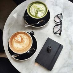 Coffee vs Matcha💚☕️ Did you know that Matcha has less caffeine than a cof. Coffee vs Matcha💚☕️ Did you know that Matcha has less caffeine than a coffee yet delivers hours of calm energy without the jitters verses for Coffee Coffee Break, Coffee Time, Morning Coffee, But First Coffee, Great Coffee, Pause Café, Green Tea Latte, Coffee Photos, Beer Tasting