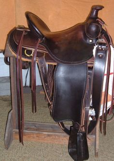 Huseby Custom Boots - saddle