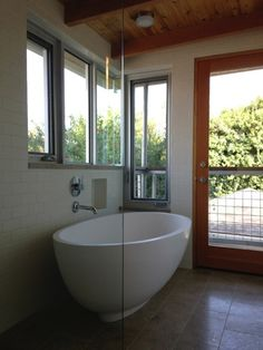 #TandL white Petite in a #luxury residence  #TandLbathtubs