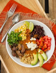 This Mexican Quinoa Bowl with Chipotle Vinaigrette can be customized to your liking. It's the Chipotle Honey Lime Vinaigrette makes this outstanding! Quinoa Bowl, Quinoa Salad, Beer Battered Fish Tacos, Honey Lime Vinaigrette, Salad Shop, Mexican Food Recipes, Healthy Recipes, Thm Recipes, Cilantro Lime Sauce