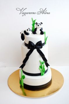 panda bear cake. Oh my goodness, where was this when I got married!? Lol