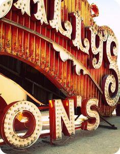 Neon Boneyard of old signs in Las Vegas, just stunning! Clowns, Cabaret, Las Vegas, Vegas Sign, Neon Moon, Neon Museum, Circus Art, Circus Theme, Marquee Sign