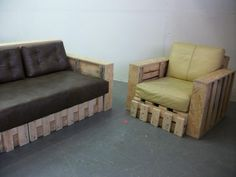 Sofa and armchair made from pallets. Great work and design !