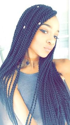 You Want To Spend This Much Time On These Chunky & Beautiful Box Braids? Should I do long Senegalese twists crochet braids? That might be fun!Should I do long Senegalese twists crochet braids? That might be fun! Box Braids Hairstyles, My Hairstyle, Hairstyles Videos, Layered Hairstyles, Dreadlock Hairstyles, Hairstyles 2018, Hairdos, Crochet Twist Hairstyles, Twisted Hairstyles
