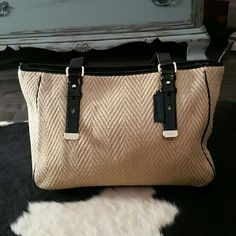 Cole Haan woven handbag with black patent trim Beautiful like new used 2 times!!!!! No blemishes to be seen! Bought 3 years ago at Cole Haan store. Woven straw fabric with black patent leather trim!!!! Price is firm! Cole Haan Bags Totes