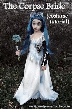 THE CORPSE BRIDE {Halloween Costume Tutorial} - Moira loves this movie. Maybe she'll let me make this for her for Halloween :) Dead Bride Costume, Zombie Bride Costume, Diy Girls Costumes, Diy Halloween Costumes For Kids, Halloween Costume Contest, Cute Costumes, Costume Ideas, Skeleton Costumes, Crazy Costumes