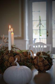 Lantern Christmas Decor, Christmas Swags, Christmas Door, Elf Decorations, Christmas Decorations, Frosty The Snowmen, Lanterns Decor, Holidays And Events, Handmade Christmas