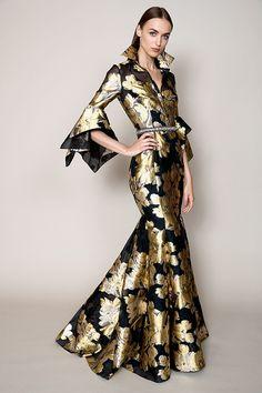 Badgley Mischka Resort 2018 Fashion Show Collection Fashion Over 40, Fashion 2018, Fashion Week, Women's Fashion Dresses, Runway Fashion, High Fashion, Womens Fashion, Spring Fashion, Fashion Trends