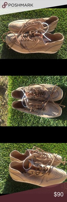 Women's Frye Leather Sneakers size 7 New and unworn without original box Frye Leather Sneakers size 7! What you see in the pictures is what you are getting! Thank you! Frye Shoes Sneakers