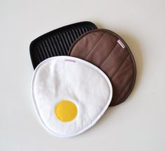 juicy hamburger patty and fried eggs potholders - fun potholders - grill bbq kitchen potholders - foodie gift - host gift - fathersday gift