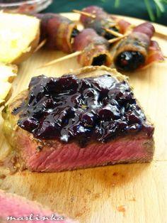 JA U KUHINJI...: Biftek u sosu od crnog vina sa suvim šljivama