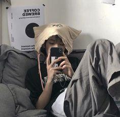 Korean Boys Ulzzang, Cute Korean Boys, Ulzzang Boy, Asian Boys, Bad Boy Aesthetic, Aesthetic People, Aesthetic Photo, Girl Group Pictures, Guy Pictures