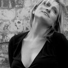 Introducing you to international pianist, Lucy Sassoon - check out Lucy for wine bars, restaurants, weddings, corporate events and upmarket venues in Cheshire